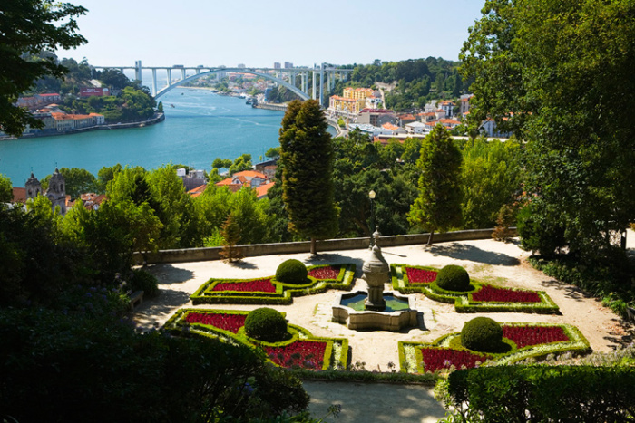Le palacio do cristal de porto vadrouiller sur porto for Jardines del palacio de cristal oporto