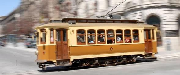 Tram électrique de Porto