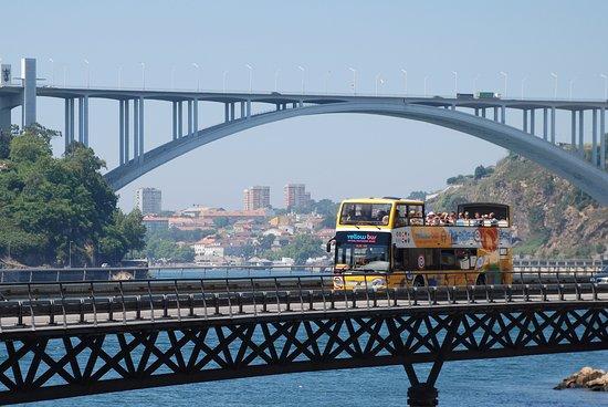 Bus panoramique à Porto